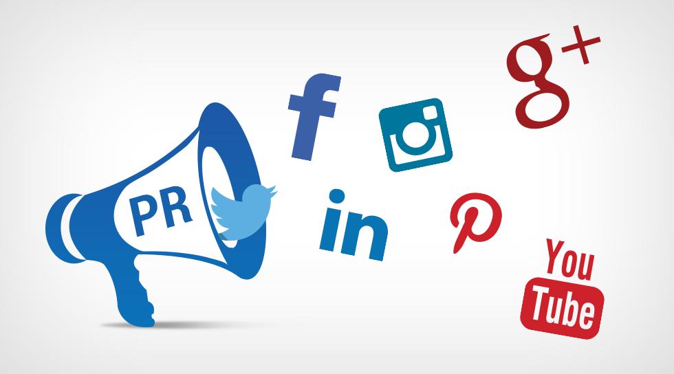 حفظ حریم خصوصی دادهها، امنیت و نظارت در سراسر شبکههای اجتماعی موضوع اصلی بحثهای سیاسی در طول سال ۲۰۱۸ بوده است. در اوایل امسال در ماه مارس، خبری منتشر شد که بر اساس آنیک شرکت به نام Cambridge Analytica، اطلاعات نزدیک به ۸۷ میلیون از پروفایلهای فیسبوک را بدون رضایت کاربران جمعآوری کرد تا سیستمی را طراحی کند و با استفاده از آن اطلاعات بتواند در انتخابات آمریکا تأثیر بگذارد.